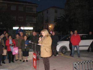 La Alcaldesa leyendo el manifiesto