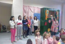 Photo of Cuentacuentos infantil para los niños del C.E.I.P. Sixto Sigler