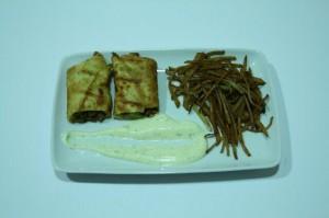 1ª Chamorro - Crepes de carne picada con mayonesa de cebollino