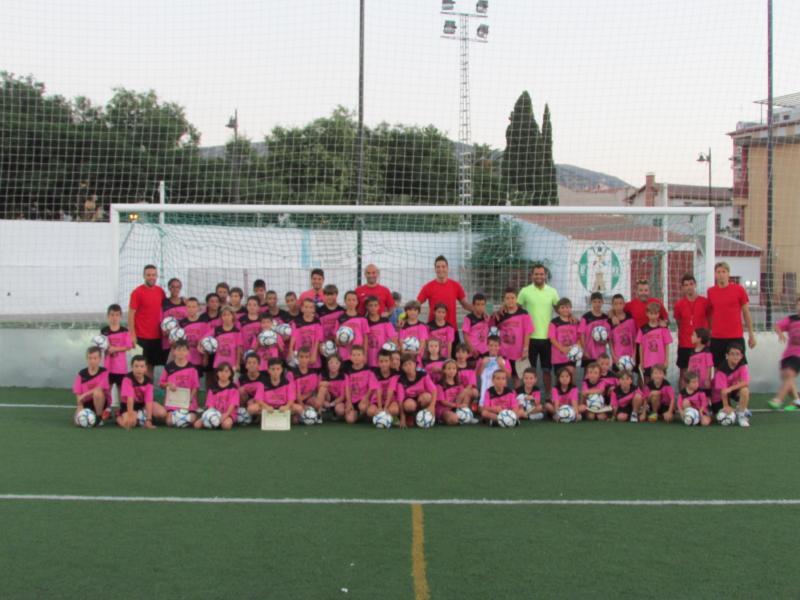 Foto de grupo en La Juventud del I Campus Futbol Base