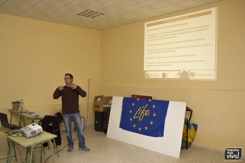 Javier Barona en la charla realizada en la Casa Forestal en 2012