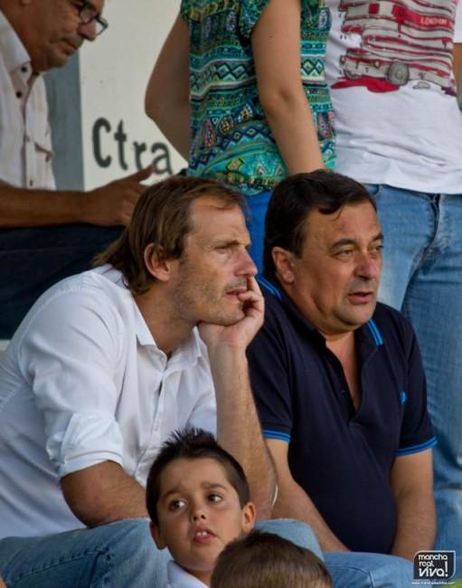 El exfutbolista Arnau estuvo viendo el partido en la grada