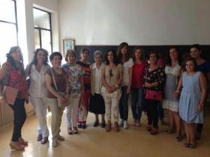 Antiguas alumnas en su clase