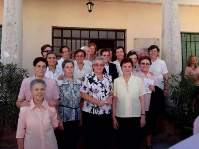Las Hermanas de Acción Parroquial en el reencuentro con sus alumnas