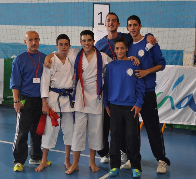 Los representantes del Gimnasio Okinawa en el Campeonato Andaluz de Karate