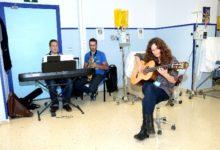Photo of El Complejo Hospitalario de Jaén reanuda las sesiones de música para pacientes en Oncología