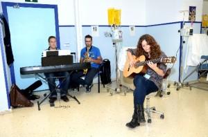 Las profesionales de la Escuela de Música en el Hospital de Día del Complejo Hospitalario.