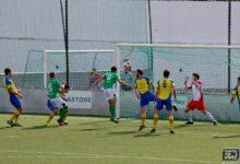 Photo of Valenciano marca de cabeza y sigue sumando puntos | 1-0