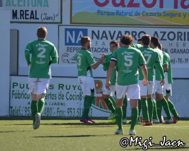 El At Mancha Real reclebran un gol