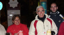 Photo of Los voluntarios de Cáritas se echan a la calle para dar leche caliente y galletas a los inmigrantes