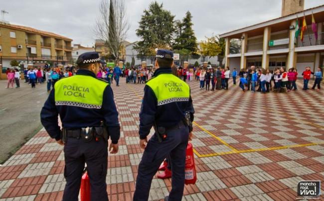 Los Agentes de la Policía Local en el simulacro de incendio