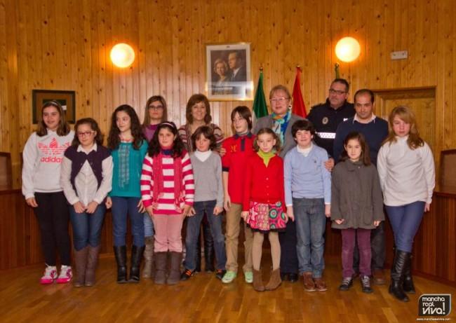Foto de grupo con los finalistas y ganadores del concurso