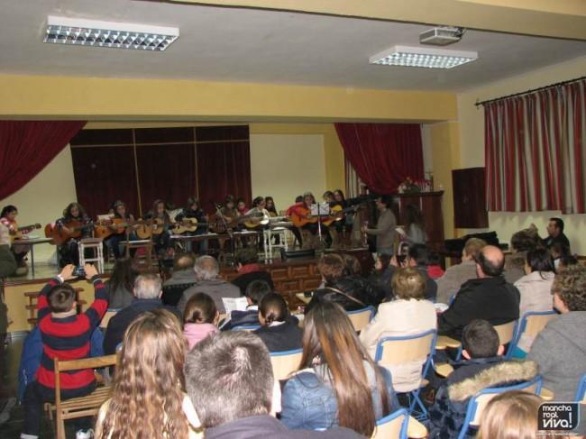 El recital de guitarra se realizó en el Salon Parroquial San Francisco