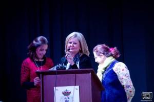 Las profesoras del IES Sierra Mágina hacen entrega de los diplomas DELF