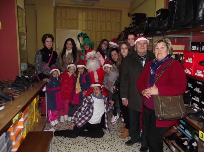 Papá Noel en uno de los comercios de la asociación