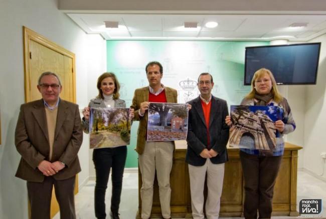 El jurado muestra las fotos ganadoras