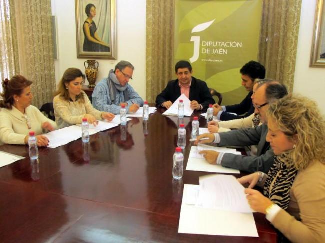 """Francisco Reyes preside la constitución de la comisión de la marca """"Degusta Jaén calidad"""""""
