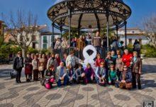 Photo of Los actos del Día de la Mujer 2014 comienzan con un lazo blanco en la Plaza de la Constitución