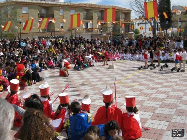 El patio del colegio se convirtió en un circo al aire libre
