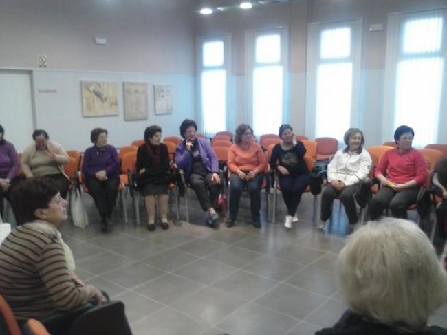 Taller de Risoterapia en el Edificio de Servicios Sociales