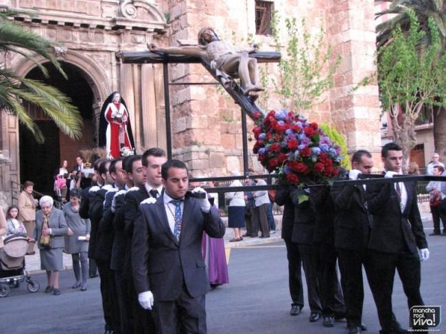 El Via Crucis salió a las ocho y cuarto de la tarde de la iglesia de San Juan Evangelista