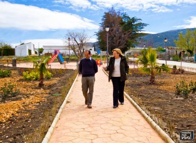 La Alcaldesa y el Concejal de Policia Parques y Jardines