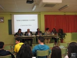 J. Tomás Ruiz Chica da una conferencia en el IES Peña del Águila