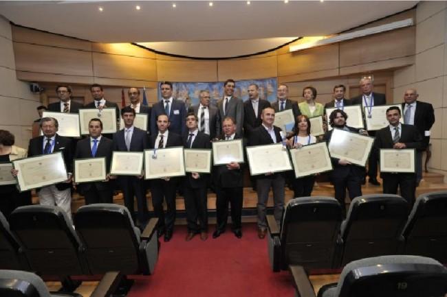 Productores de aceite premiados por el Consejo Oleícola Internacional después de examinar 138 muestras llegadas de 12 países. Agustín Muñoz