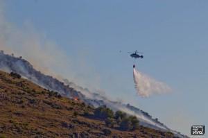 Helicoptero realiza una descarga