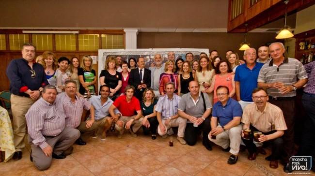 Los compañeros junto con Martín Jimenez en el acto de jubilación