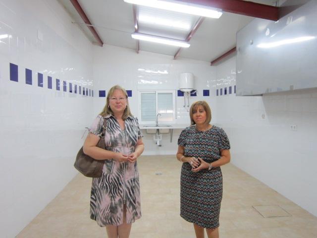 Micaela Martínez y Purificación Gálvez en la nueva cocina de las Naves Municipales