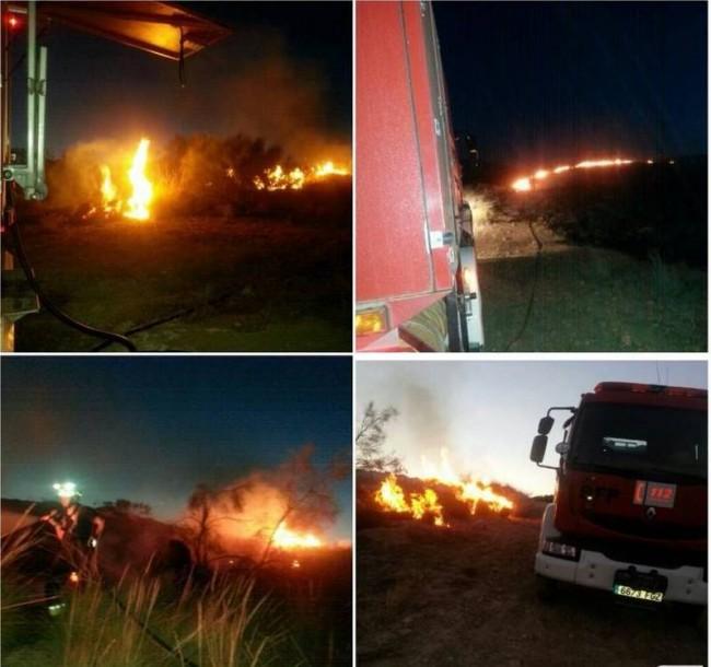 """""""Incendio en una zona próxima al polígono de Mancha Real.  Foto: Bomberos Jaén"""""""