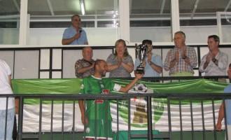 El trofeo Alcaldesa se lo adjudica el At. Mancha Real frente al R. Jaén