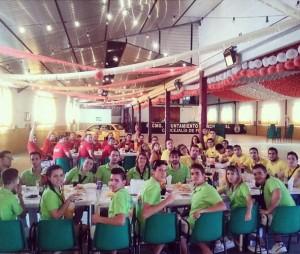 Los grupos comieron en la Caseta Municipal