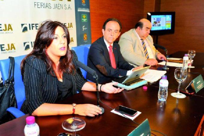 Presentación. Ángeles Férriz, Rafael Rodríguez y Luis Carlos García. Foto: Diario Jaén
