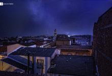 Photo of Una fuerte tormenta eléctrica ilumina el cielo de Mancha Real