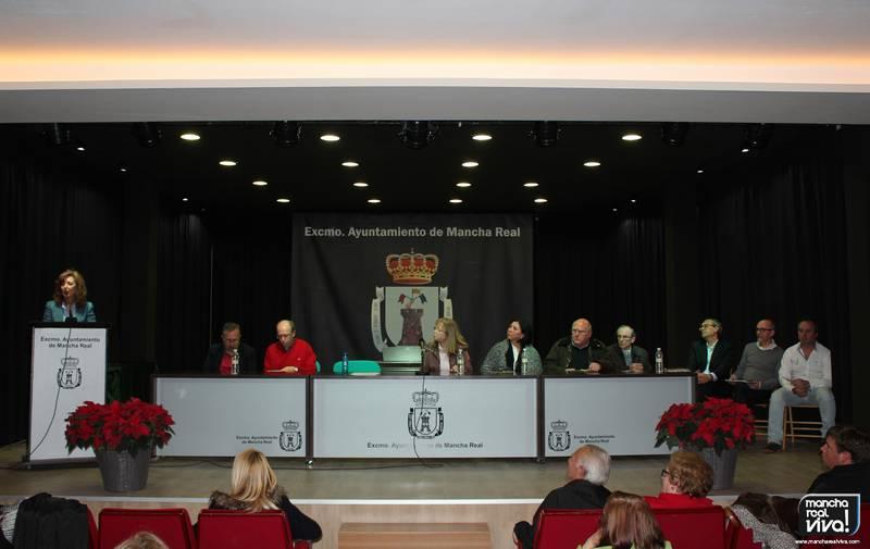 Mesa con los ganadores, el jurado y autoridades