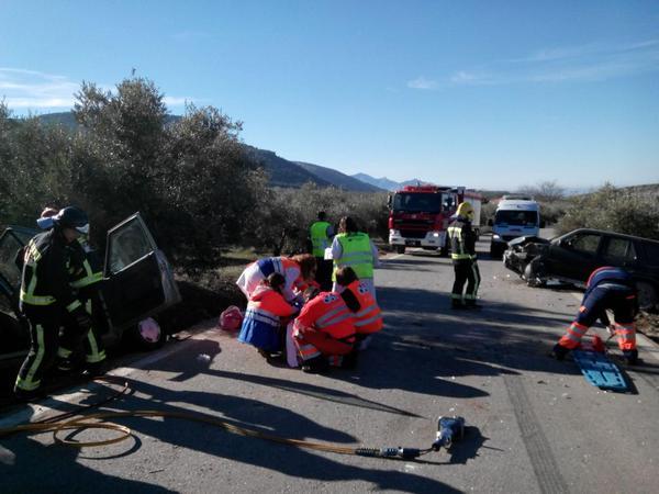 Accidente en la carretera de Torres. Foto: Bomberos de Jaén