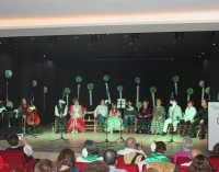 """Los alumnos de canto de """"Manuel Rosa"""" cierran los actos del Día de Andalucía 2015"""