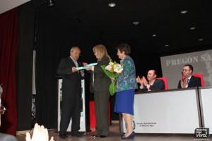 José Luis Quero recibe la placa conmemorativa
