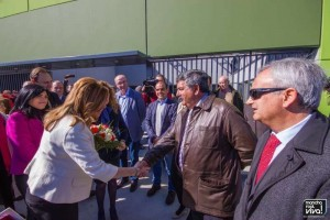 Juan Martín saluda a la Presidenta de la Junta de Andalucía en el día de la visita a las instalaciones