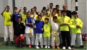 Alumnos del Gimnasio Okinawa en el torneo