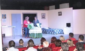 El grupo de teatro Uptelón vuelve a la Casa de la Cultura con una divertida comedia