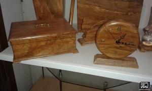 Joyero y reloj en madera de olivo