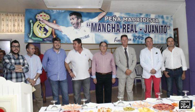 Junta Directiva junto a Paco Bonet