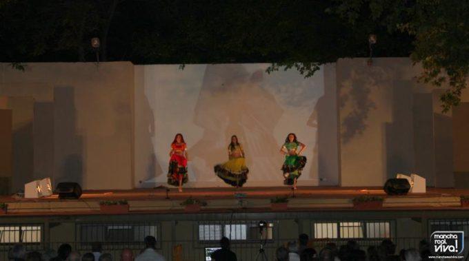 Espectáculo de Danza y colorido