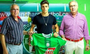 Juan De Dios Hermoso, presidente del club, Ordónez y Manuel Sánchez.