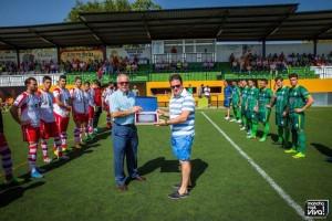 José Moreno fue homenajeado por sus 7 años como presidente del club