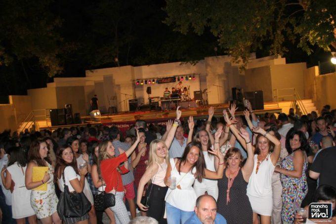 Música y baile animaron toda la noche
