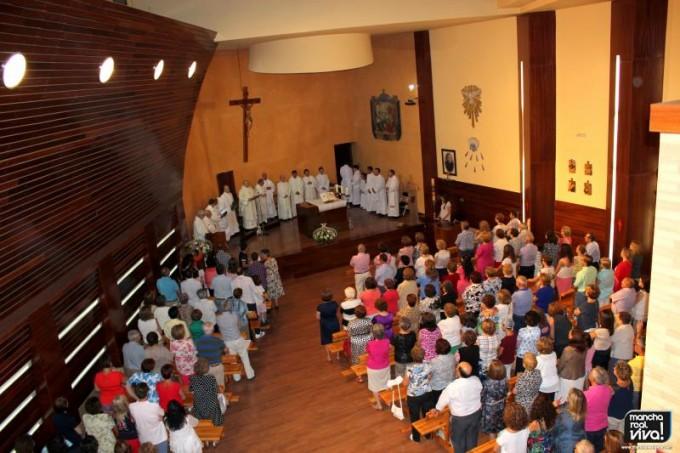 El templo se lleno para dar la bienvenida a su párroco